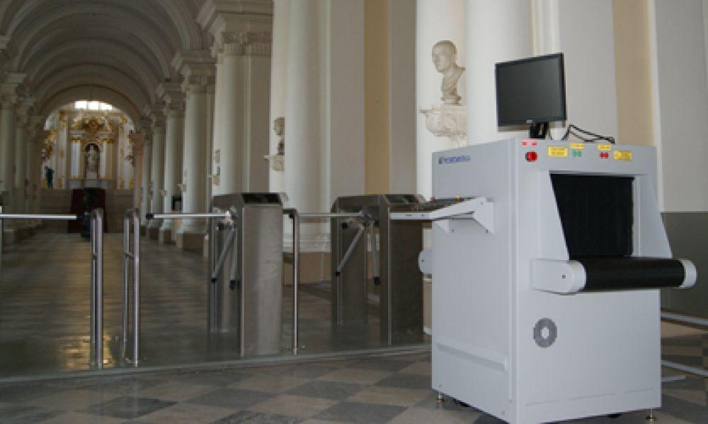 Ввод в эксплуатацию интроскопов Astrophysics для музея «Государственный Эрмитаж»