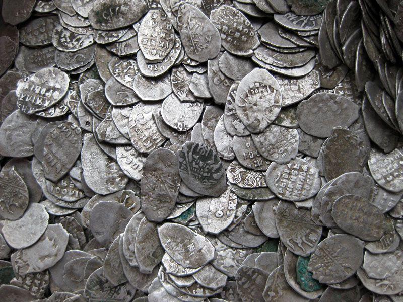 Монеты - одни из основных находок кладоискателей